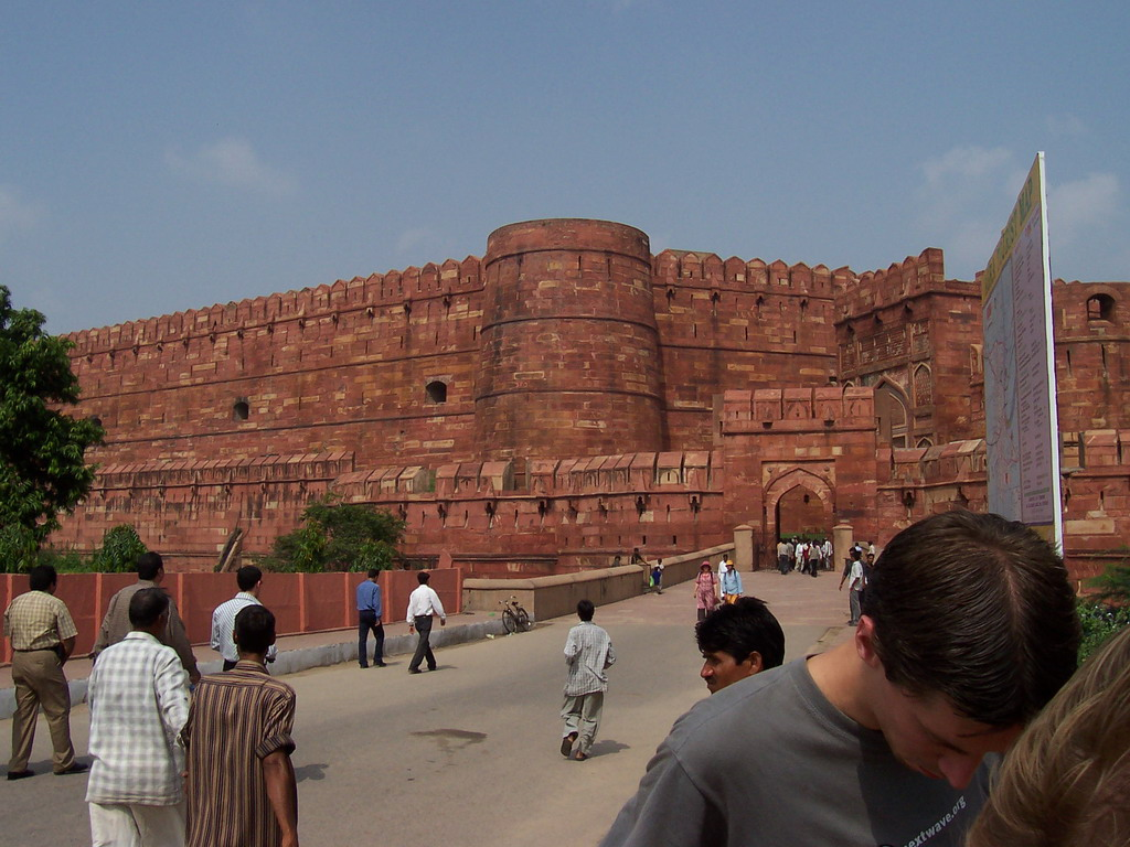 Tim at the entrance road and the Amar Singh gate of the Agra Fort