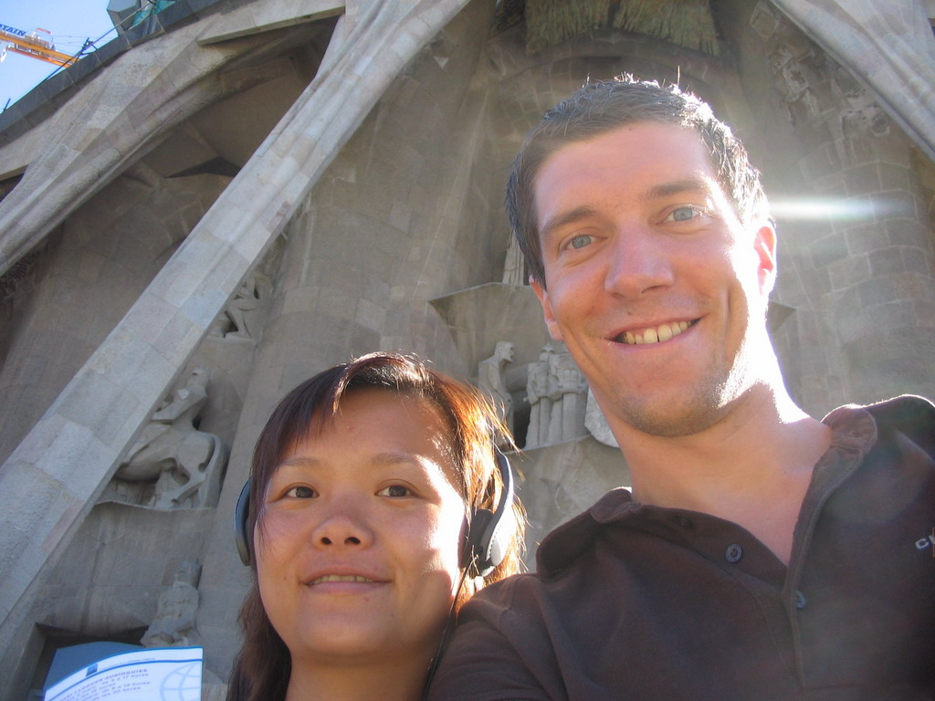 Tim and Miaomiao in front of the Sagrada Fam�lia church