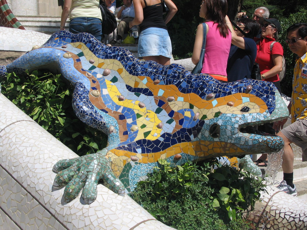 Mosaic dragon at the entrance staircase at Park G�ell
