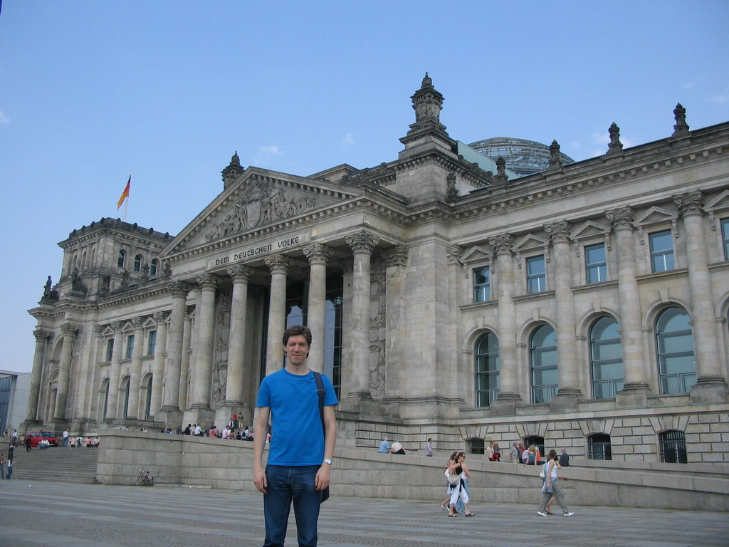 Tim in front of the Reichstag building