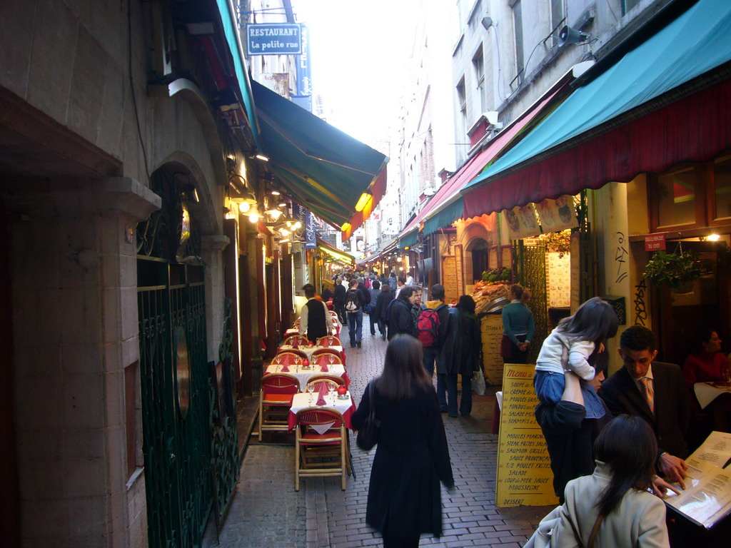 Restaurants in the Rue des Bouchers street