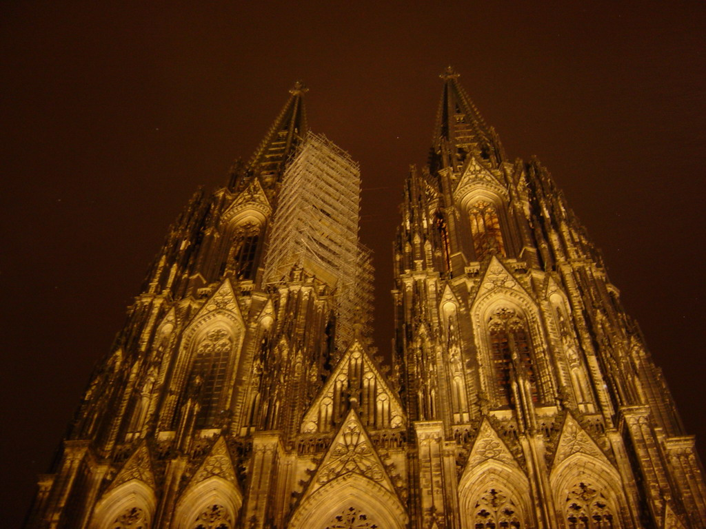 Front of the Cologne Cathedral, by night