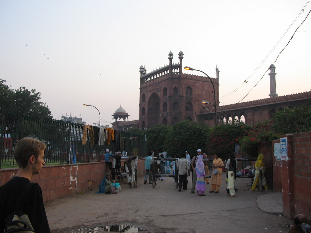 Rick and the entrance gate to the Jami Masjid mosque