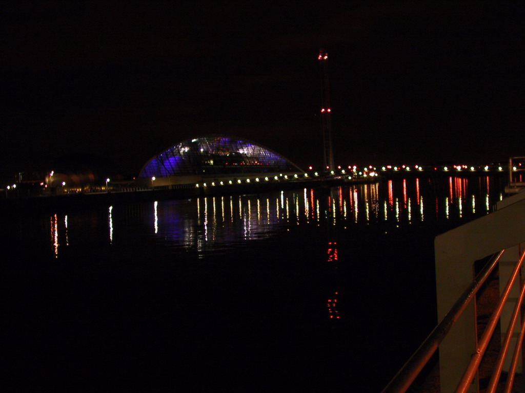 The Glasgow Science Centre, the Glasgow Tower and the River Clyde, by night