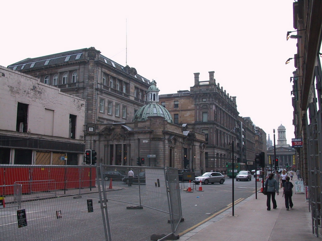 Ingram Street with the front of the Gallery of Modern Art