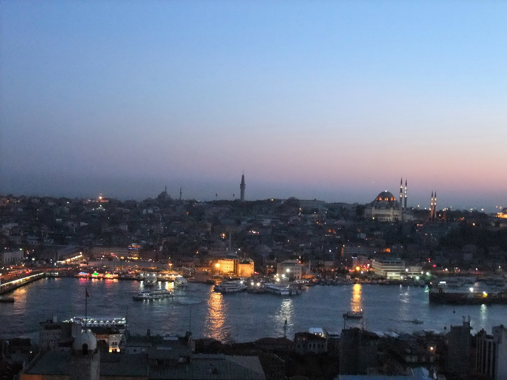 View on the Galata Bridge, the Golden Horn, the Bayezid II Mosque, the Beyazit Tower and the S�leymaniye Mosque, from the top of the Galata Tower, by night