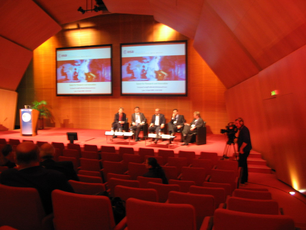Panel discussion of the ESA at the World Life Sciences Forum BioVision 2005 conference, at the Centre Congr�s de Lyon conference center