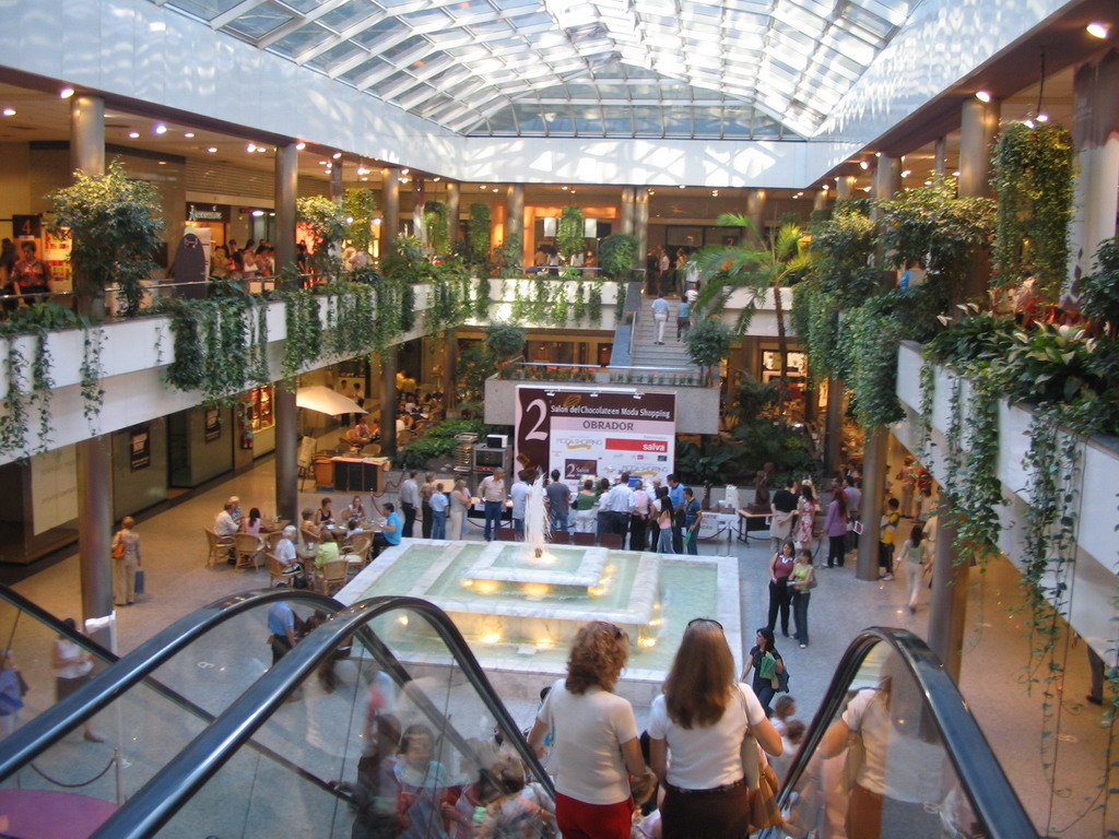 Interior of the Moda Shopping mall at the Avenida del General Per�n avenue
