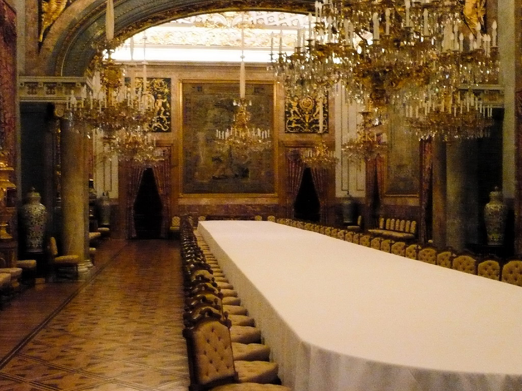 royal dining room viewing gallery