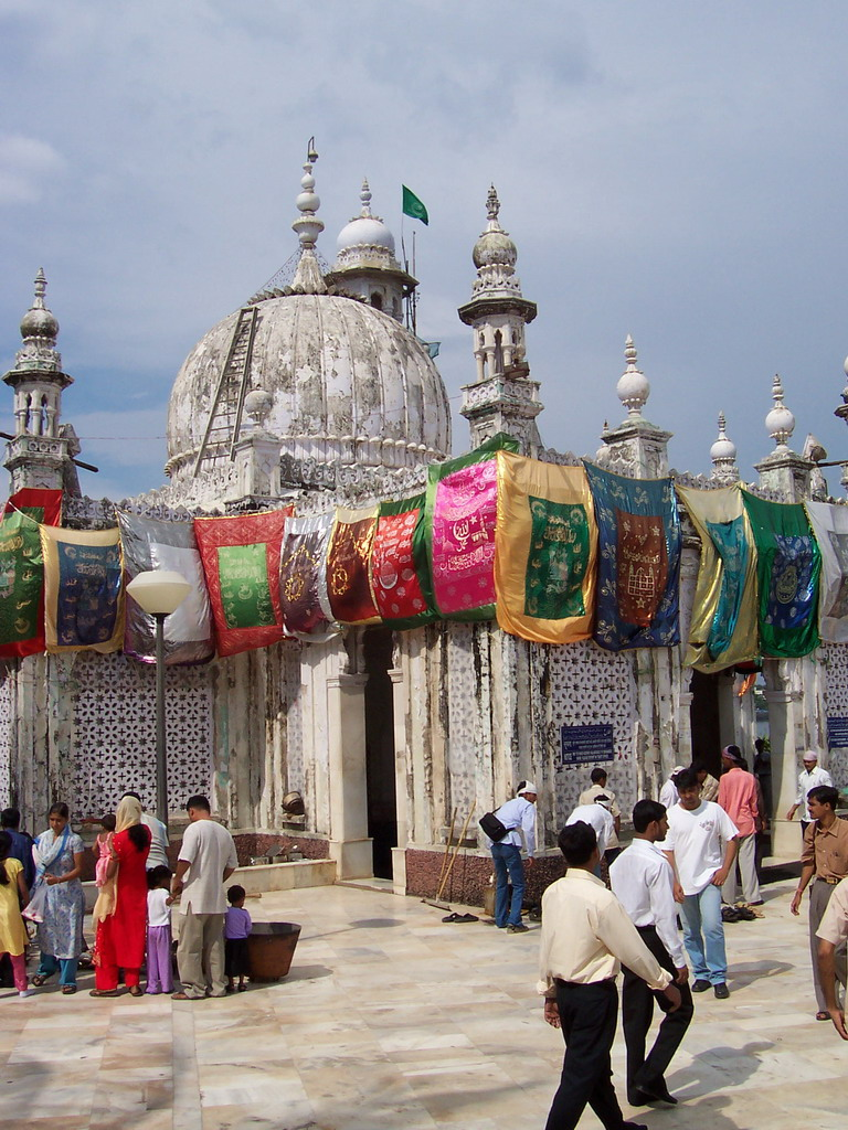 The Haji Ali Dargah tomb