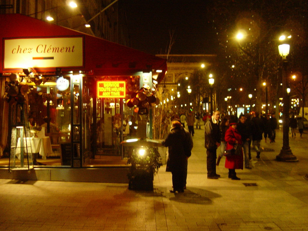 The Avenue des Champs-�lys�es, by night