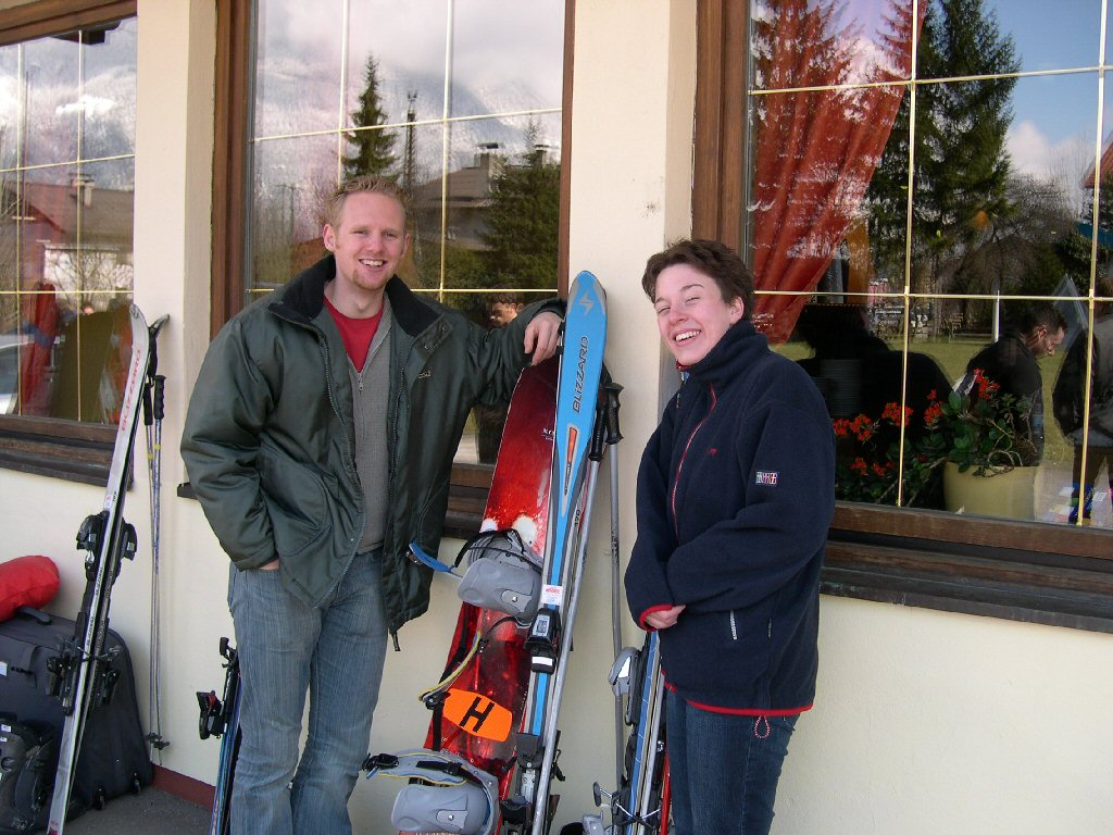 Tim`s friends with skis in front of the Alpenhof Hotel at the Innsbrucker Stra�e street at Brixlegg