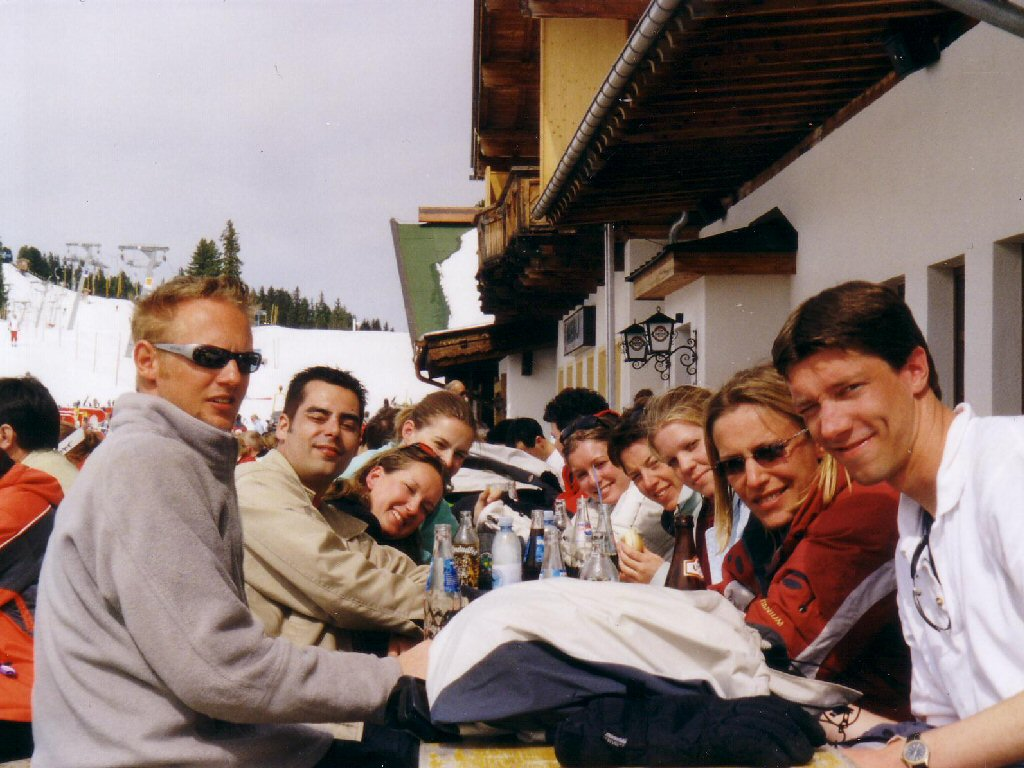 Tim and his friends at a terrace at the Hochzillertal ski resort