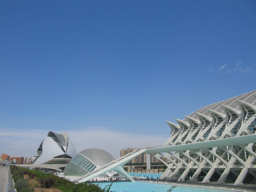 The Palau de les Arts Reina Sofia art center, the Hemisf�ric cinema and the Museu de les Ci�ncies Pr�ncipe Felipe museum at the Ciudad de las Artes y las Ciencias complex