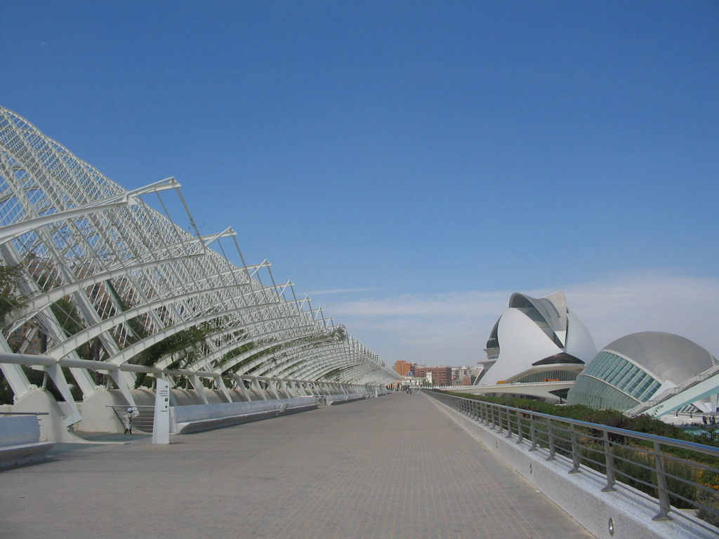 The Umbracle botanical garden, the Palau de les Arts Reina Sofia art center and the Hemisf�ric cinema at the Ciudad de las Artes y las Ciencias complex